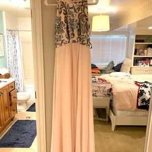 Elegant gown!